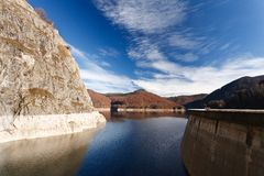 Lago Vidraru in Romania Fotografie Stock