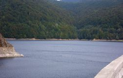 Lago Vidraru in Romania Fotografia Stock Libera da Diritti
