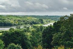 Lago Viljandi no vale pitoresco, Estônia foto de stock royalty free
