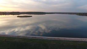 Lago visto de abejón almacen de metraje de vídeo