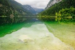 Lago Vorderer Gosausee, alpi, Austria Immagini Stock