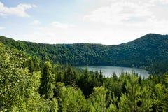 Lago vulcânico Ana de Saint em Romania imagens de stock