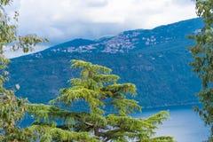 Lago vulcanico in Italia Immagini Stock