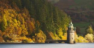 Lago Vyrnwy que filtra la torre Imagen de archivo
