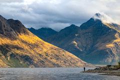 Lago Wakatipu con il supporto Nicholas, Nuova Zelanda Immagine Stock