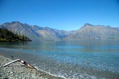 Lago Wakatipu em Nova Zelândia fotografia de stock