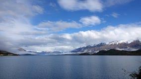 Lago Wakatipu na movimentação cênico de Glenorchy, Nova Zelândia imagens de stock