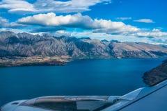 Lago Wakatipu, Nova Zelândia - 16 de janeiro de 2018: Na aproximação final fotos de stock royalty free