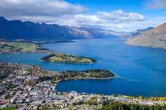 Lago Wakatipu y Queenstown, Nueva Zelanda imagenes de archivo