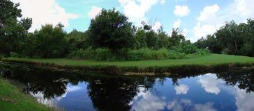 Lago y cielo Imágenes de archivo libres de regalías