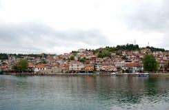 Lago y ciudad Ohrid, el República de Macedonia Imágenes de archivo libres de regalías