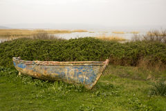 Lago y el barco Fotografía de archivo