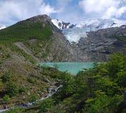 Lago y glaciar Huemul en Patagonia Imagen de archivo