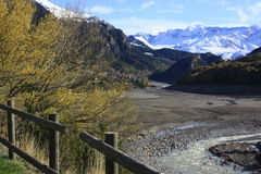 Lago y montaña en el valle de Tena, Pyrenees Foto de archivo libre de regalías