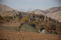 Lago y montañas en el área de Setif Foto de archivo
