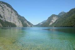 Lago y montañas Koenigssee Imagen de archivo