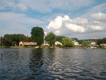 Lago y naturaleza de Donkmeer, Berlare, Flandes Occidental fotos de archivo