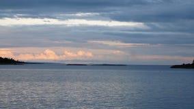 Lago y nubes foto de archivo libre de regalías