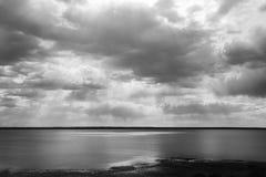 Lago y nubes Fotografía de archivo libre de regalías