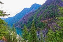 Lago y presa, parque nacional gorge de las cascadas del norte imágenes de archivo libres de regalías