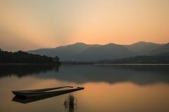 Lago y puesta del sol Imagen de archivo