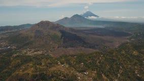 Lago y volcán Batur, Agung Bali, Indonesia almacen de metraje de vídeo