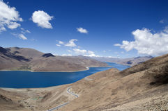 Lago Yamdrok Yumtso imagens de stock royalty free