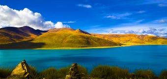 Lago Yamdrok Yumtso Fotografia de Stock Royalty Free