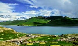 Lago YamdrokTso del Tibet, Cina Immagine Stock