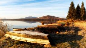 Lago Zyuratkul nella vista di caduta della cresta Nurgush Russia fotografia stock libera da diritti