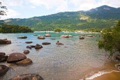 Lagoa azul ilha重创的里约热内卢状态巴西 免版税图库摄影