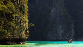 Lagoa azul, ilha da Phi-phi, Tailândia Imagens de Stock