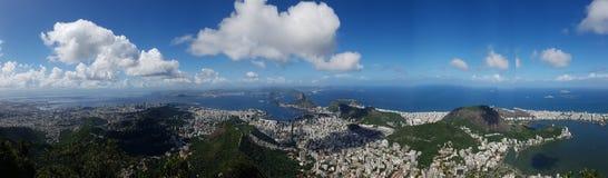 Lagoa Botafogo strand, bergiga landforms, himmel, berg, bergskedja fotografering för bildbyråer