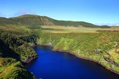 Lagoa Comprida - Długi jezioro w Angielskim, Flores wyspa Obrazy Stock