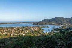 Lagoa da康塞桑和旋律da Lagoa -弗洛里亚诺波利斯,圣卡塔琳娜州,巴西鸟瞰图  图库摄影