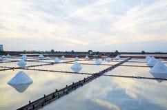 Lagoa da evaporação de sal Imagens de Stock Royalty Free