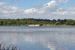 Lagoa de Frensham em Surrey Foto de Stock