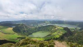 Lagoa de Santiago, complexo do vulcão de Sete Cidades, ilha de Miguel do Sao, Açores video estoque