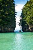 Lagoa de turquesa em Tailândia Fotos de Stock Royalty Free