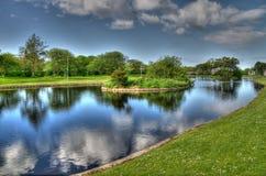 Lagoa do esporte de barco em Escócia imagens de stock royalty free