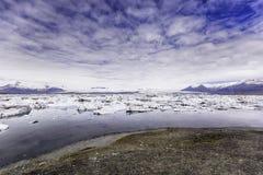 Lagoa do lago glacier - Islândia Jokulsarlon - Islândia Foto de Stock