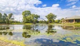 Lagoa e ponte Imagem de Stock Royalty Free