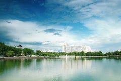 Lagoa e quadrado de Ostankino em Moscou Imagens de Stock Royalty Free