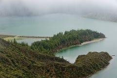 Lagoa hace Fogo, un lago volcánico en la isla de Miguel del sao Fotos de archivo