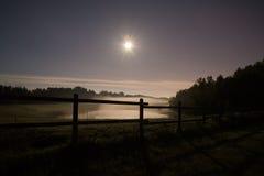 Lagoa nevoenta Foto de Stock Royalty Free
