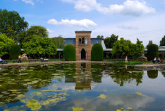 Lagoa no jardim zoológico de Estugarda Imagens de Stock