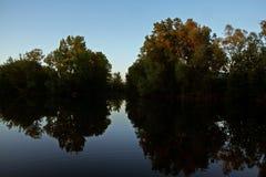 Lagoa rural na noite Imagens de Stock Royalty Free