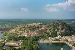 Lagoa sagrado Kalyani em Shravanabelagola, Karnataka, Índia fotografia de stock royalty free