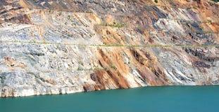 Lagoa sem-vida na mina opencast imagens de stock