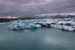 Lagoa SvÃnafellsjokull da geleira Imagens de Stock Royalty Free